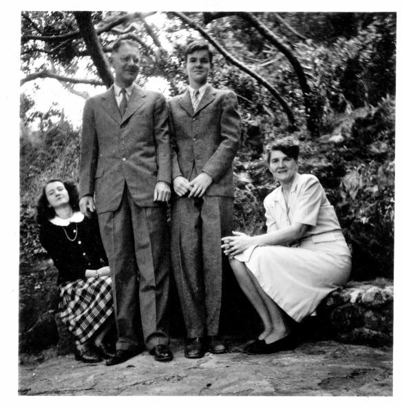 FAMILY 1940s 2 136